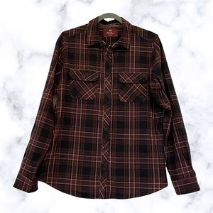 Wind River Marks medium plaid button up top maroon red black pockets long sleeve